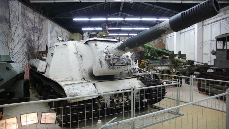 Sovětská 152mm samohybná houfnice ISU-152