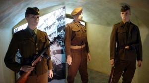 Hradní stráž v stejnokrojích z let 1945-48
