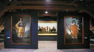 Součástí expozice je i obrazová galerie ze sbírek VHÚ