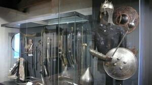 Malá, ale o to vzácnější část expozice věnovaná zbraním Orientu