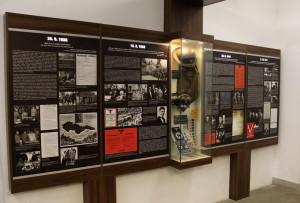 Panely a některé válečné artefakty