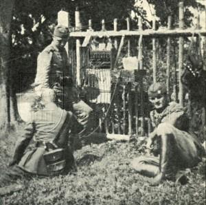 Československý patnáctinásobný telefonní přepojovač vz. 23 (dobová fotografie)