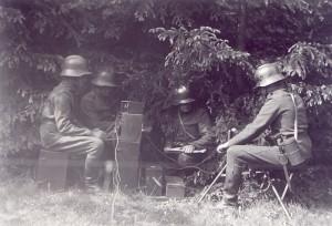 První československá rádiová stanice TRD vz. 23 (dobová fotografie)