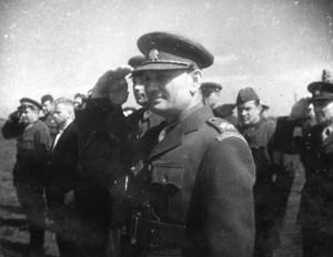 4 - Ministr národní obrany čs. exilové vlády, generál Sergěj Ingr, na návštěvě v Buzuluku v červenci 1942