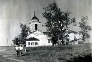 22 - Kostel Zesnutí přesvaté bohorodičky v Sokolovu, pohled od jihu