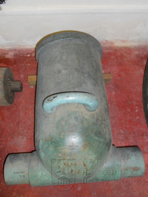 24cm hlaveň moždíře z roku 1854