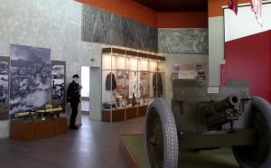 Na výtvarném řešení nové expozice v Muzeu bojového přátelství v Sokolovu se podílel také výtvarník VHÚ, akademický malíř Pavel Holý