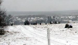 Bojová ukázka se odehrávala na historickém bojišti, s reálným panoramatem zasněženého Sokolova v pozadí