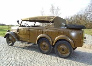 Československý štábní automobil Škoda 903