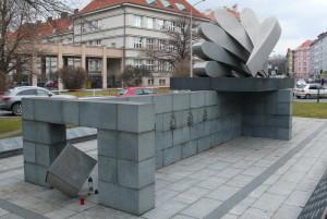 Bělského pomník čs. letcům ve Velké Británii najdeme v Praze 6
