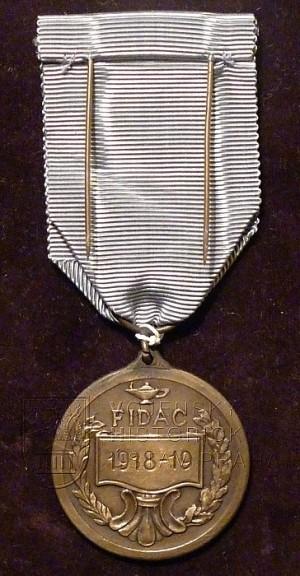 Pamětní medaile Mezinárodní federace starých bojovníků (zadní strana)