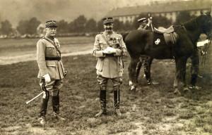 Generál Maurice Pellé, zakladatel Hlavního štábu čs. branné moci (vlevo) a pokračovatel jeho díla generál Eugène Mittelhausser. Foto: archiv VHÚ.