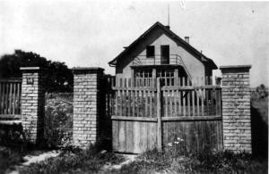 Dům, ve kterém se 12. května 1945 zastřelil poslední velitel Waffen-SS v Čechách a na Moravě SS-Oberguppenführer von Pückler-Burghaus. Foto archiv VHÚ.