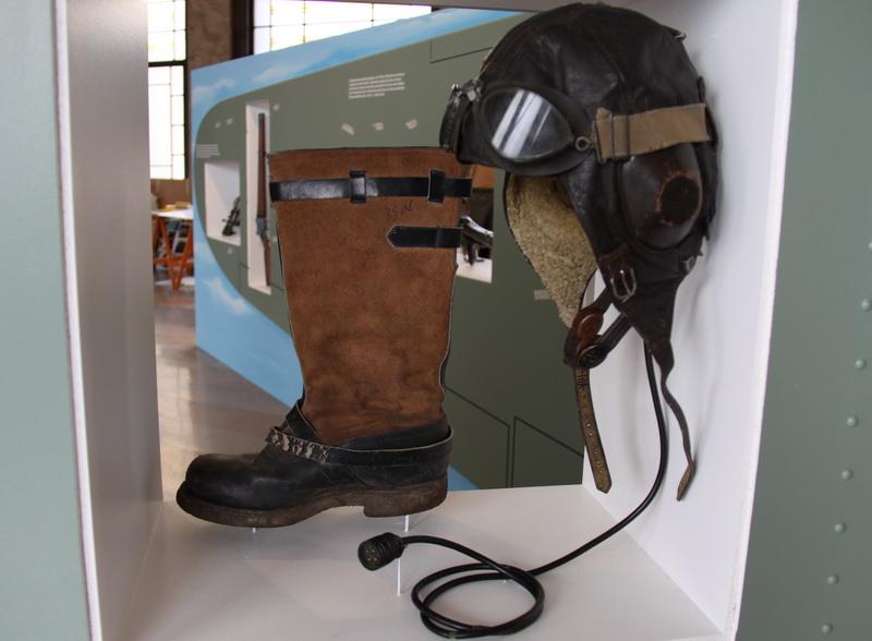 Původně německá letecká výstroj, posléze  pro izraelské piloty