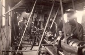 Soustružna ve vagonu. Foto archiv VHÚ.