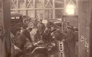 Čs. automobilní dílny ve Vladivostoku 15. května 1920. Foto archiv VHÚ.