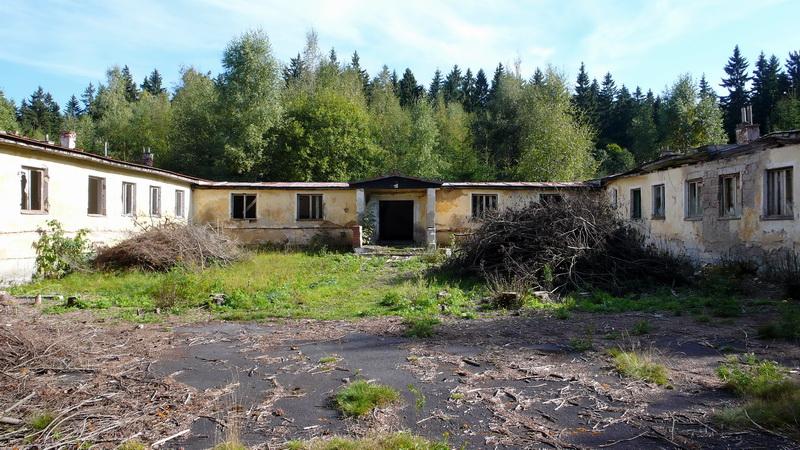 Někdejší sídlo pohraničníků, Český les. Stav 2012. Foto A. Halada