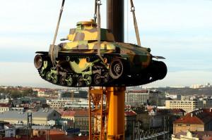 Tank LT 35 před Armádním muzeem Žižkov. Foto sbírka VHÚ.