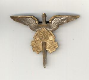 Odznak letounového pozorovatele zbraní Václava Kropáčka. Foto sbírka VHÚ.