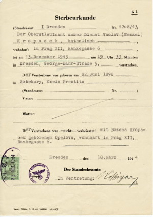 Potvrzení o popravě Václava Kropáčka. Foto sbírka VHÚ.