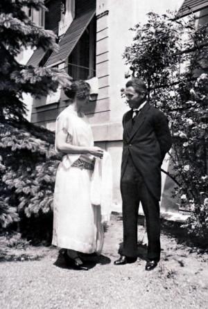 S manželkou Boženou v Košicích v roce 1924. Foto sbírka VHÚ.