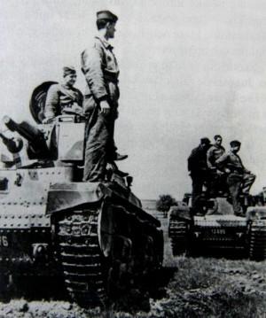 Osádky tanků LT 35. Foto sbírka VHÚ.