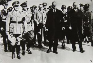 Britský premiér Neville Chamberlain v Mnichově 29. září. Foto sbírka VHÚ.