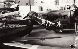 V popředí stíhací letoun Lavočkin La-7. Foto sbírka VHÚ.
