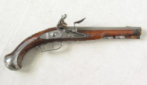 Křesadlová pistole z osobní pozůstalosti po rakouském polním podmaršálkovi Janu Nepomukovi hraběti Nostitz-Rieneckovi. Foto sbírka VHÚ.