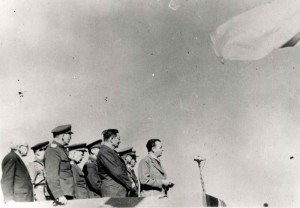 Československu vojenskou jednotku na v SSSR často navštěvovali komunističtí poslanci včetně Klementa Gottwalda. Foto sbírka VHÚ.