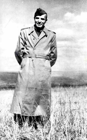 Osvětový důstojník jednotky na Východě škpt. JUDr. Jaroslav Procházka, po válce náčelník HSVO a náčelník Generálního štábu. Foto sbírka VHÚ.