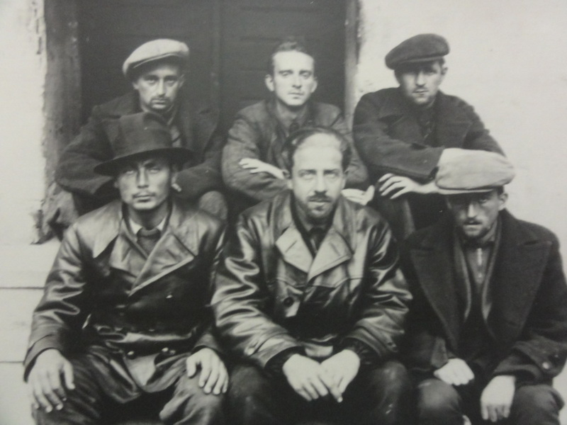 Teroristé z organizace Szabadcsapatok. Foto sbírka VHÚ.