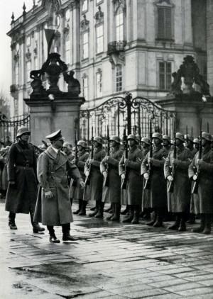 Konec iluzí o druhorepublikové suverenitě. FOTO: sbírka VHÚ Praha
