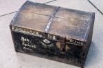 Každý má svůj příběh: restaurování vojenských kufrů