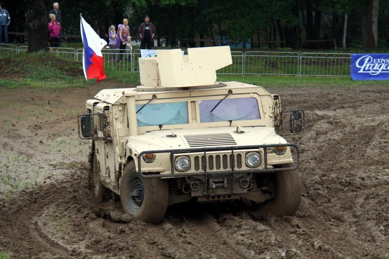 Vozidlo Hummer