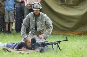 Střelba z kulometu, slepými náboji