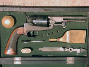 Revolver Colt-Innsbruck v kazetě s příslušenstvím, 1849