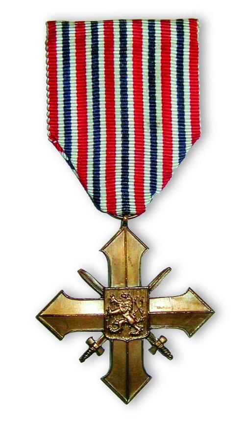 Československý válečný kříž 1939. Otto Smik ho obdržel celkem pětkrát.