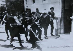 Zatčení Čabrinoviče. Foto sbírka VHÚ.