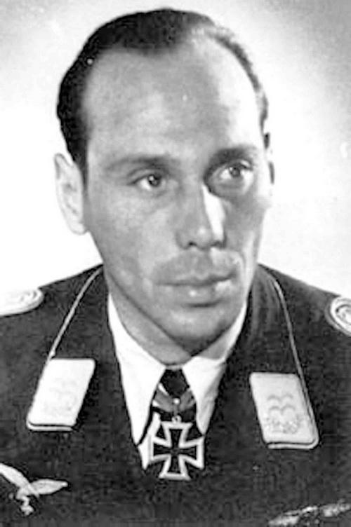 Oblt. Eugen-Ludwig Zweigart měl na svém kontě celkem 69 sestřelů. Nelze vyloučit, že o tuto velkou hvězdu připravil německou Luftwaffe 8. 6. 1944 právě Smik