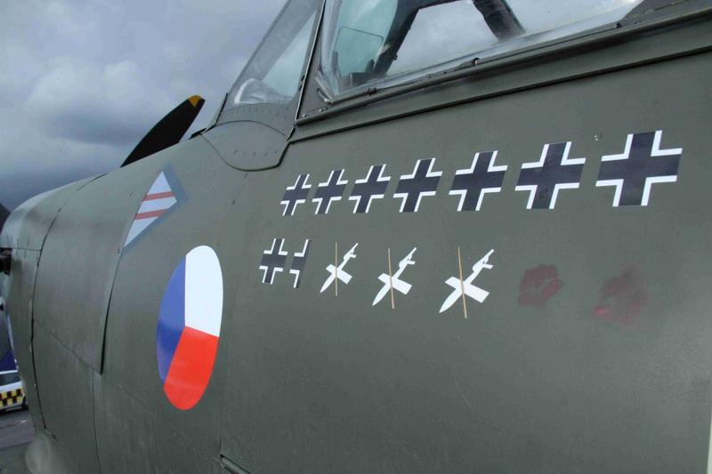 Spitfire ve Smikově markingu. Pražská muzejní noc Kbely 14. 6. 2014