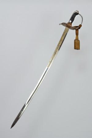 Nevzorová šavle pro důstojníky jezdectva z roku 1879.