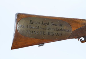 Text na destičce umožňuje poměrně přesné zařazení nedatované pušky – roky 1872 nebo 1873.