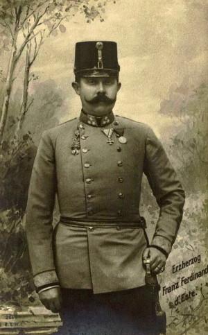 Generál pěchoty František Ferdinand d´Este s důstojnickou šavlí vzor 1861.Foto sbírka VHÚ.