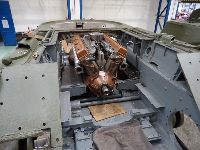 Motorový prostor v průběhu restaurování