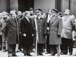Prezidentova přehlídka čestné stráže ČSLA 29. 12. 1989. Foto Andrej Halada.