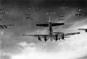 Svaz amerických bombardovacích letounů Boeing B-17G Flying Fortress.