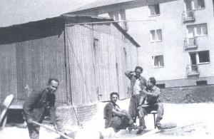 Příslušníci 54. PTP na stavbě.  FOTO: archiv autora