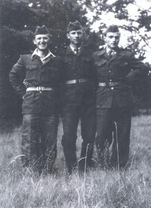 Vojáci 54. PTP na vycházce. FOTO: archiv autora