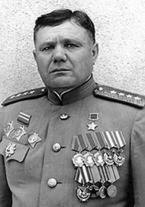 Armádní generál Andrej Ivanovič Jeremenko, od 26. března 1945 velitel 4. ukrajinského frontu
